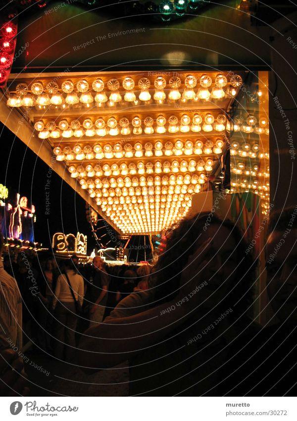 at night Licht Glühbirne Jahrmarkt Schausteller Nacht Himmel Mensch Wohnung Abend Stoppelmarkt