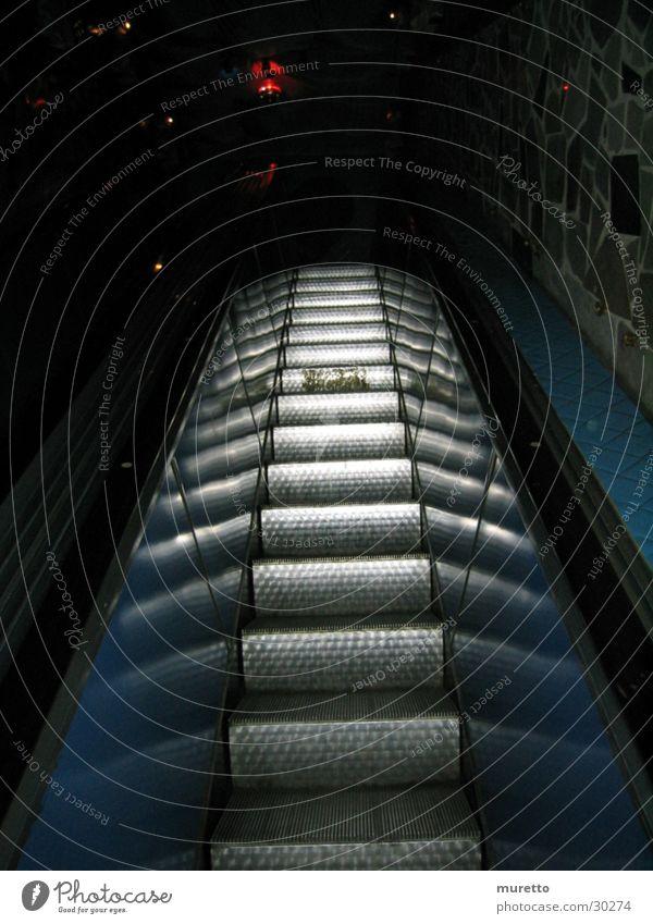 Rolltreppe Reflexion & Spiegelung Haus Architektur Treppe Metall