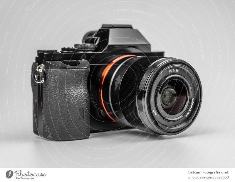 Spiegellose Systemkamera Alpha 7 Fotokamera Technik & Technologie grau orange schwarz silber weiß kleinbildsensor Digitalkamera isoliert sony a7 35 mm