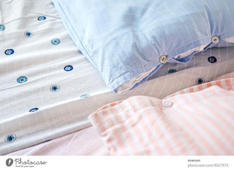 Wie man sich bettet,... Lifestyle Stil Gesundheit Häusliches Leben Wohnung Dekoration & Verzierung Bett Schlafzimmer authentisch einfach frisch Billig
