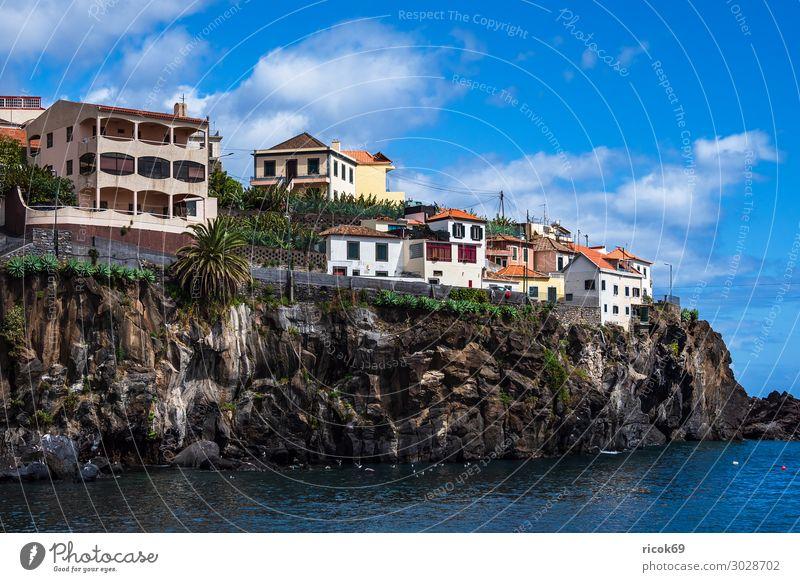 Blick auf Camara de Lobos auf der Insel Madeira, Portugal Erholung Ferien & Urlaub & Reisen Tourismus Meer Haus Natur Landschaft Wasser Wolken Klima Wetter