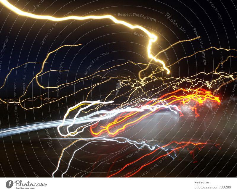 swoosh4 Langzeitbelichtung Straße Linse Farbe Licht http://www.keasone.de