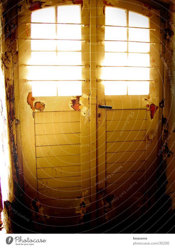shine dunkel Fenster Raum Architektur Tür Perspektive Burg oder Schloss Blende