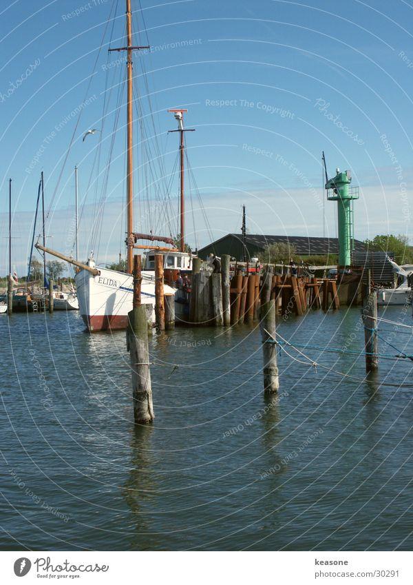 drei Wasser Himmel blau Wasserfahrzeug groß Seil Europa Hafen Segeln