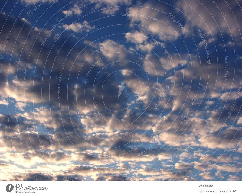himmel1 Wolken weiß Licht Dämmerung Himmel blau Sonne http://www.keasone.de