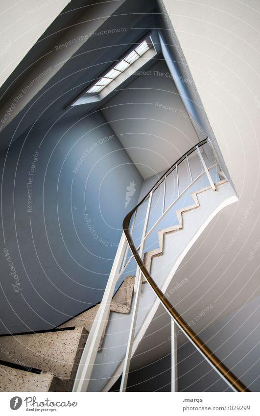 3. OG Mauer Wand Treppe Fenster Treppenhaus Treppengeländer ästhetisch modern blau weiß Perspektive Häusliches Leben oben steil aufstrebend Farbfoto