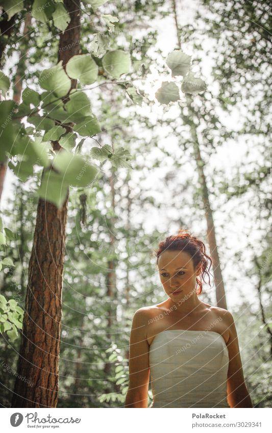 #A# Waldhochzeit Kunst ästhetisch Fee fantastisch Braut Brautkleid Brautschleier Natur Außenaufnahme grün Waldlichtung Farbfoto Gedeckte Farben Detailaufnahme