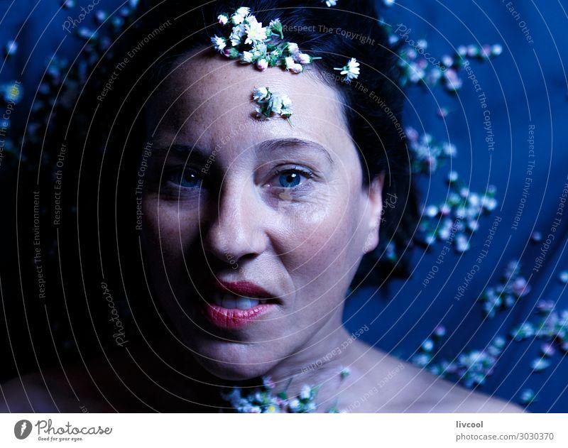 wahre Schönheit im Erwachsenenalter III, Spanien Lifestyle schön Gesicht Erholung Mensch feminin Frau Weiblicher Senior Kopf Lippen Hand 45-60 Jahre Blume