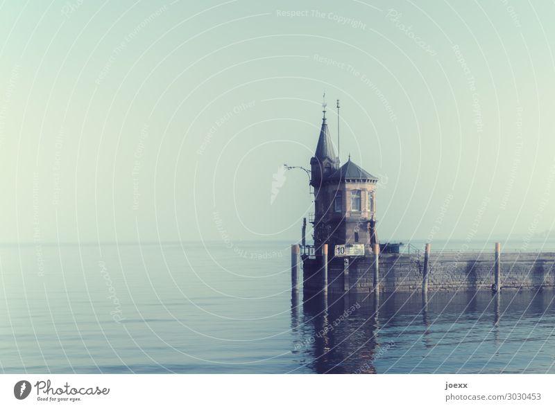 """Wird langsam klein Schönes Wetter See Bodensee Konstanz Hütte Gebäude Mauer Wand Mole Unendlichkeit historisch retro rund Horizont Idylle Ferne """"Leuchtturm"""