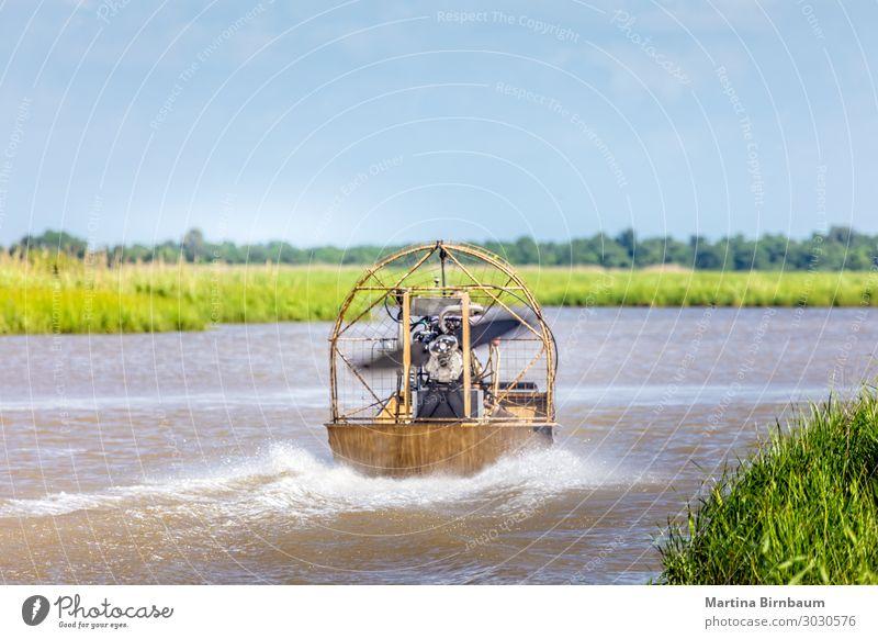 Airboatfahrt in den Sümpfen von Texas, Golf von Mexiko Erholung Ferien & Urlaub & Reisen Tourismus Natur Landschaft Himmel Gras Park See Fluss Wasserfahrzeug