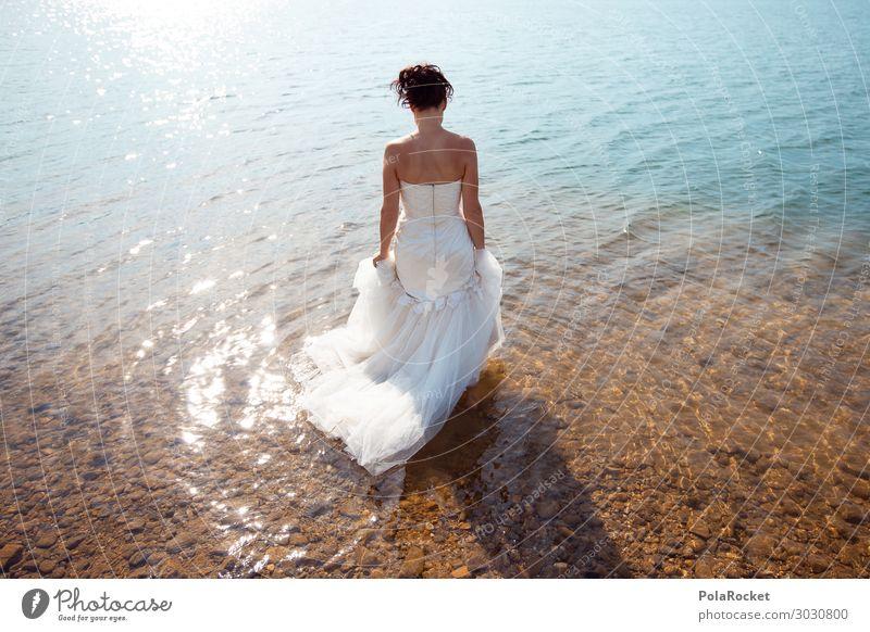 #A# Tradition Kunst ästhetisch Braut Brautkleid Brautschleier Kleid Zeremonie Frau Mode Model Modellfigur See Seeufer Farbfoto Gedeckte Farben Außenaufnahme