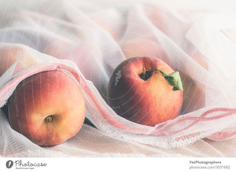 Wiederverwendbare Einkaufstasche mit Pfirsichen Lebensmittel Frucht Diät Lifestyle kaufen Gesunde Ernährung Umwelt Verpackung Paket Kunststoffverpackung Sack