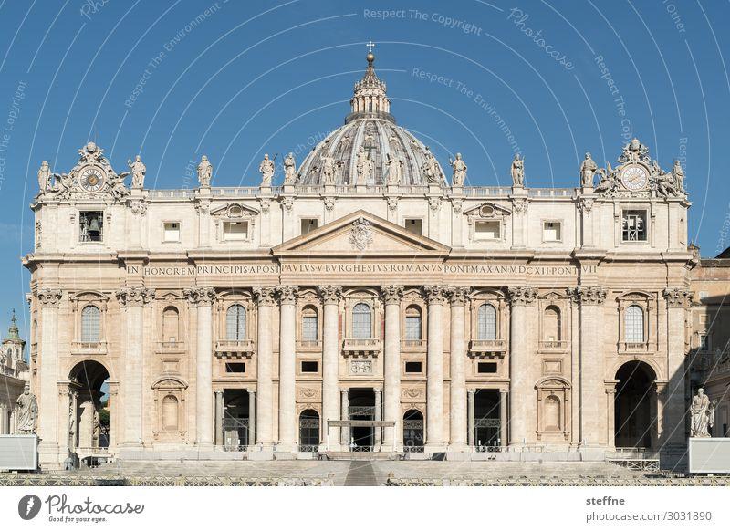 Petersdom Kirche Dom Sehenswürdigkeit Wahrzeichen Religion & Glaube Katholizismus Rom Italien Fassade Renaissance michelangelo Spiritualität Päpste Christentum