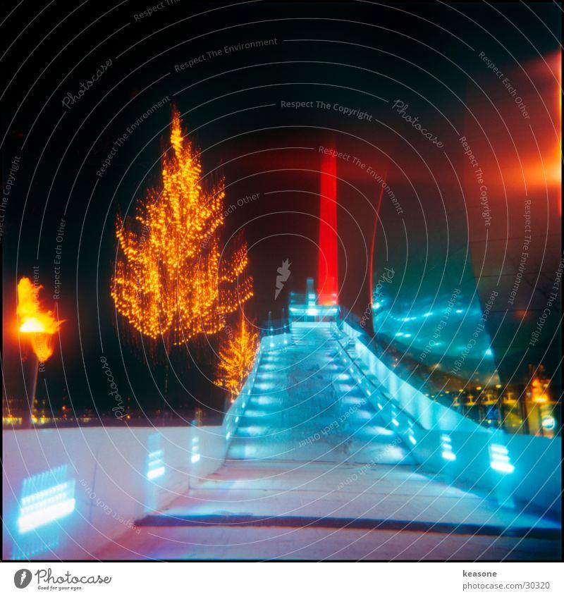 bahn Baum Beleuchtung Schnee Eisenbahn Turm Fabrik Leuchtturm Wolfsburg Schlitten Licht Autostadt Museum