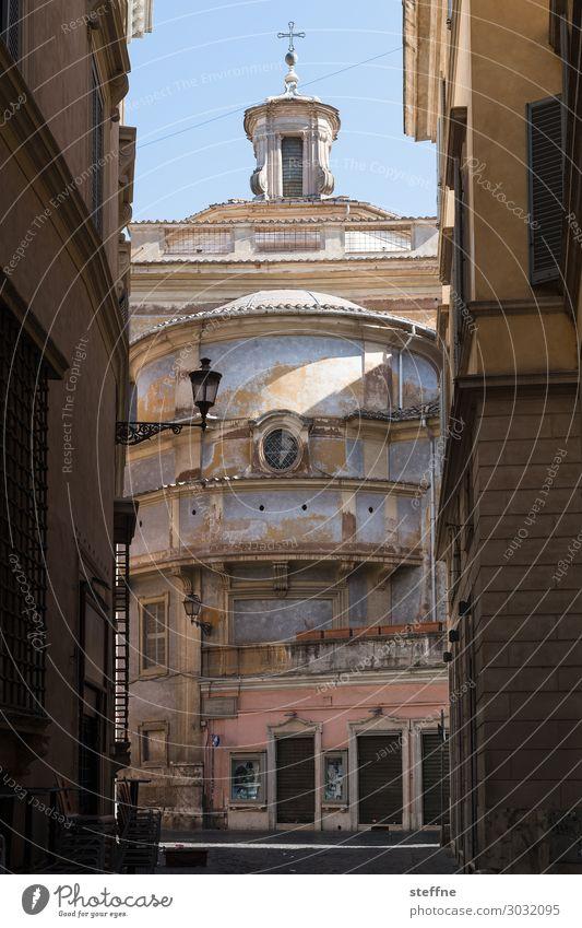 Chiesa 5 Kirche Religion & Glaube Italien Rom Gasse Licht & Schatten Farbfoto Außenaufnahme Menschenleer Textfreiraum oben Morgen