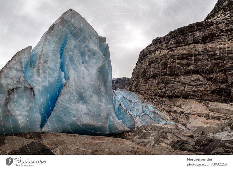 Gletschereis Ferien & Urlaub & Reisen Tourismus Urelemente Himmel Wolken Eis Frost Felsen Berge u. Gebirge dunkel blau braun Einsamkeit einzigartig kalt