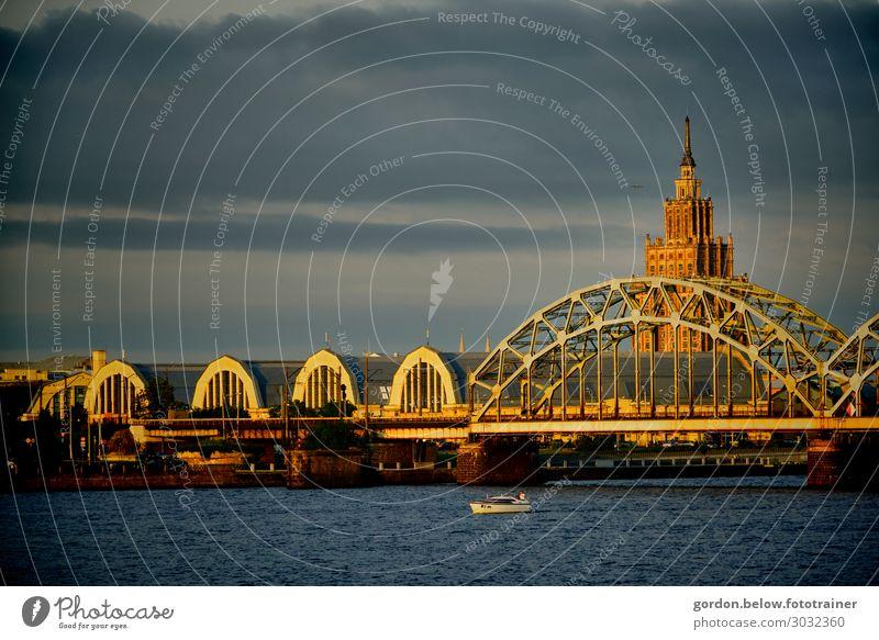 Brückengeschichten Himmel Ferien & Urlaub & Reisen Sommer blau weiß Meer schwarz Glück Stil Gebäude Kunst Tourismus Freiheit orange Freizeit & Hobby gold