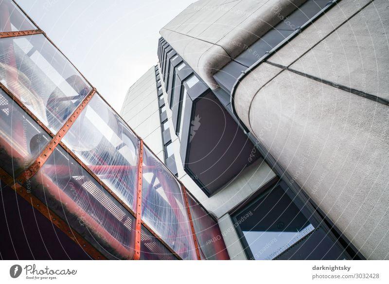 Siebziger Jahre Architektur Siegen Kreis Siegen-Wittgenstein Stadt Stadtzentrum Menschenleer Hochhaus Brücke Bauwerk Gebäude Justiz u. Gerichte Mauer Wand