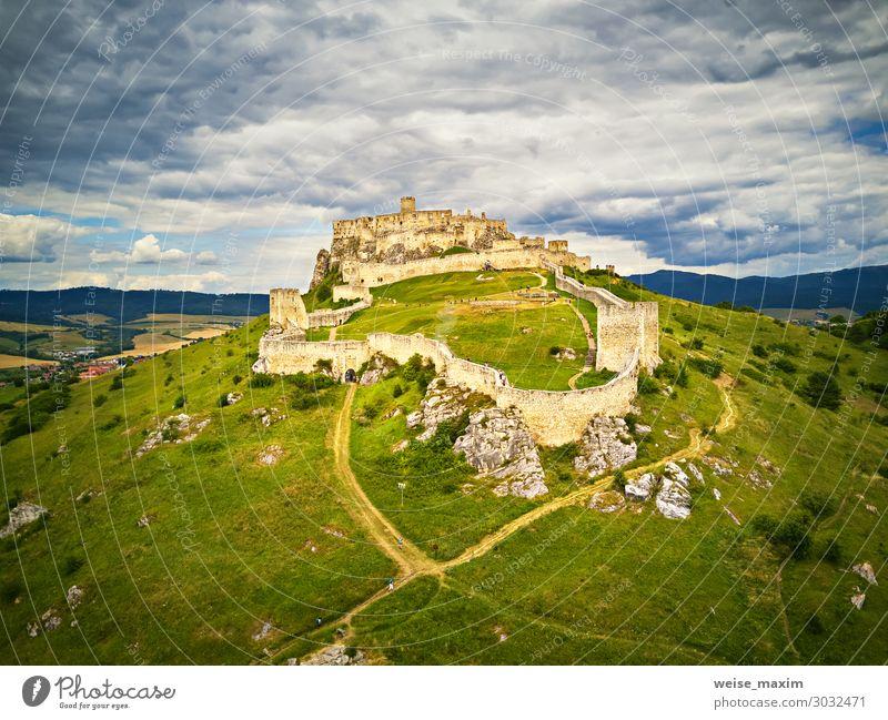 Luftaufnahme der Burg Spis (Spiš, Spišský) im Sommer Ferien & Urlaub & Reisen Tourismus Ausflug Abenteuer Ferne Freiheit Sightseeing Sommerurlaub