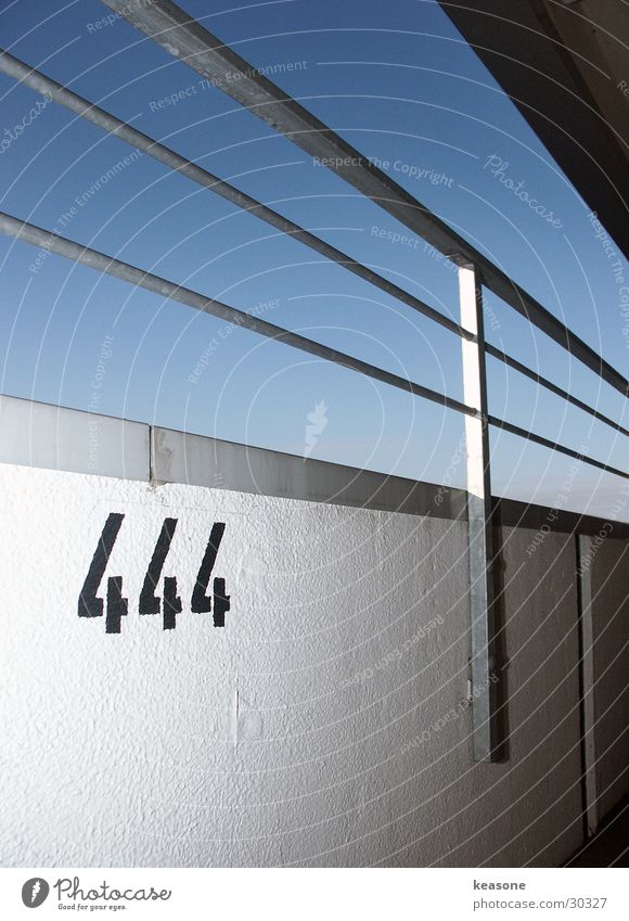 444 Himmel Wand 4 Geländer Putz Parkhaus Berghang Parkdeck Fototechnik