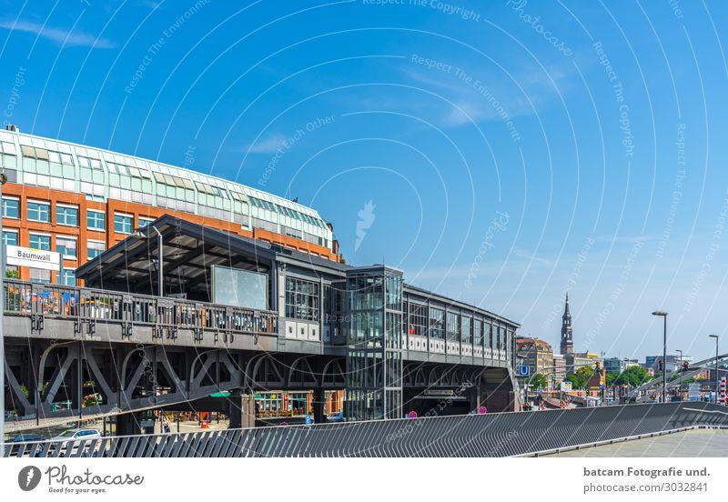 Hamburg Hochbahn Haltestelle Baumwall Ferien & Urlaub & Reisen Tourismus Sightseeing Städtereise Sommer Stadt Hafenstadt Stadtzentrum Skyline Haus Bahnhof