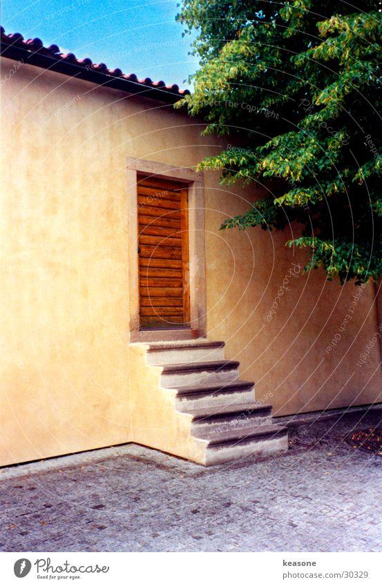 tha door Prag Haus Hauseingang Baum Wand Putz Stimmung Europa Burg oder Schloss alt http://www.keasone.de