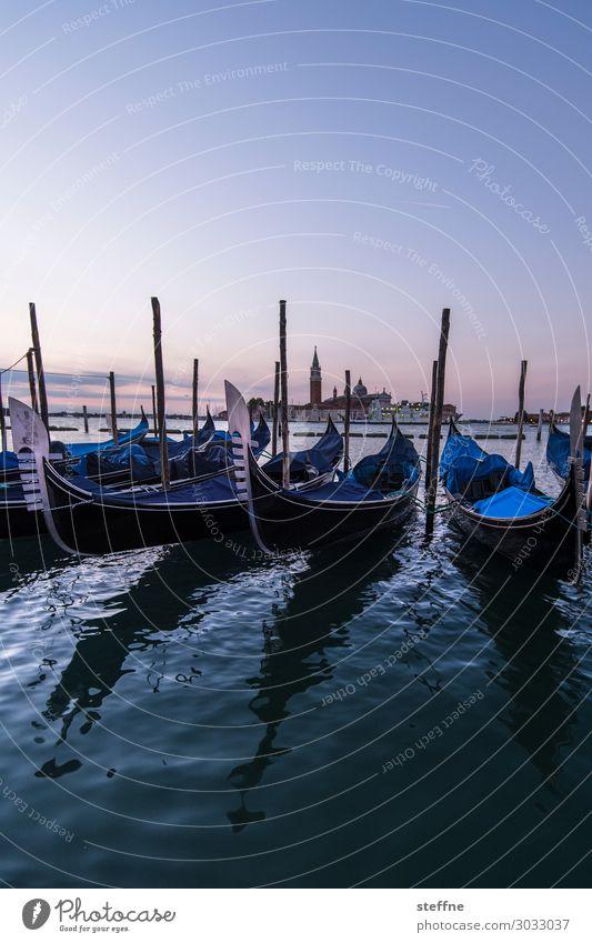 Around the World: Venedig Natur Wolkenloser Himmel Sonnenaufgang Sonnenuntergang Schönes Wetter ästhetisch außergewöhnlich Bekanntheit Gondel (Boot) Markusplatz
