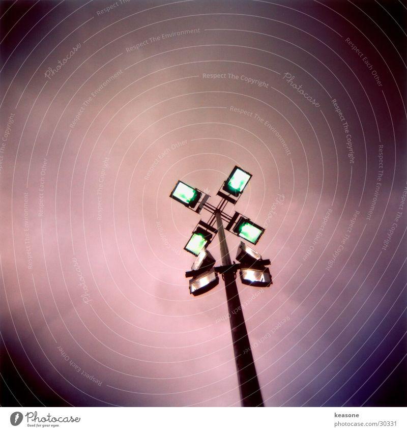 lichtmangel Himmel rosa Turm Scheinwerfer