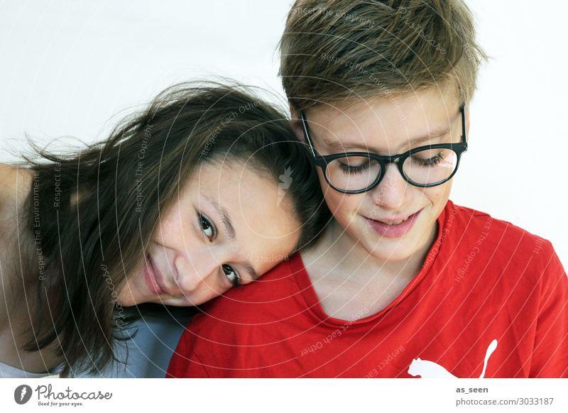 Twins Mädchen Junge Geschwister Bruder Schwester Familie & Verwandtschaft Jugendliche 2 Mensch 13-18 Jahre Brille brünett blond Lächeln Blick Freundlichkeit