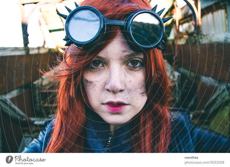 Junge Frau in Steampunk-Kleidung Stil Gesicht Leben Arbeit & Erwerbstätigkeit Industrie Erwachsene Punk Erde Arbeitsbekleidung rothaarig außergewöhnlich