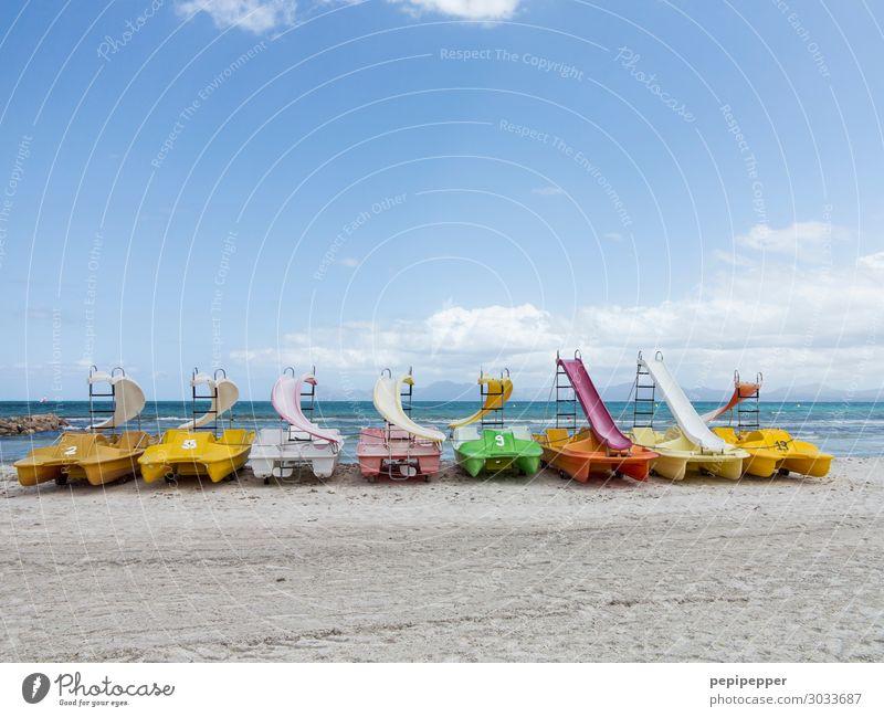 Tretboote Freizeit & Hobby Ferien & Urlaub & Reisen Tourismus Ausflug Sommer Sommerurlaub Strand Meer Sport Wassersport Sand Himmel Wellen Küste Schifffahrt