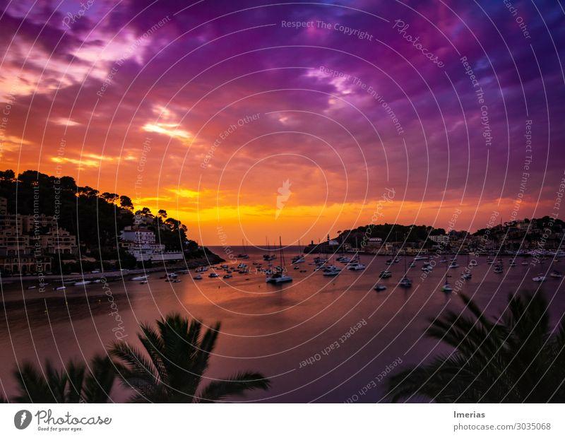 Sonnenuntergang in Puerto de Sóller Umwelt Natur Landschaft Pflanze Luft Wasser Himmel Wolken Nachthimmel Horizont Sonnenaufgang Sommer Schönes Wetter Baum Wald