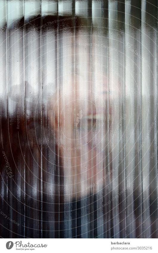 unscharf | Horror feminin Frau Erwachsene 1 Mensch Fenster Tür Glas Linie schreien bedrohlich gruselig Gefühle Angst Verzweiflung skurril Farbfoto
