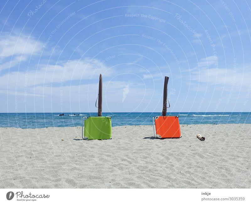 Mittagspause am Mittelmeer Himmel Ferien & Urlaub & Reisen Sommer blau grün Sonne Meer Strand Wärme Küste orange Zusammensein Sand Freizeit & Hobby Horizont