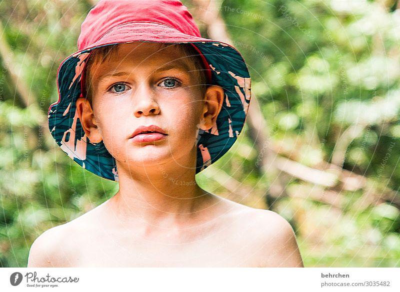 mit schirm, charme und melone | ok, sonnenhut... Kind Ferien & Urlaub & Reisen schön Ferne Gesicht Auge Familie & Verwandtschaft Junge Tourismus Freiheit