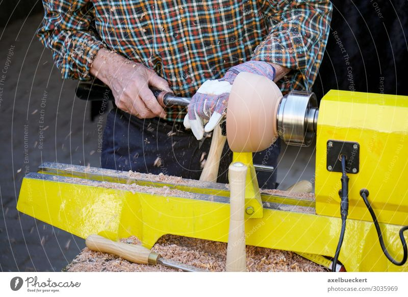 Drechsler an der Drehbank Lifestyle Freizeit & Hobby Beruf Handwerker Werkzeug Maschine Technik & Technologie Mensch maskulin Mann Erwachsene 1 30-45 Jahre