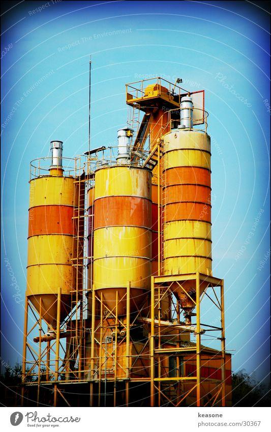 tripple tower orange Technik & Technologie Industriefotografie Getreide Linse Tank Silo Elektrisches Gerät Gewerbegebiet