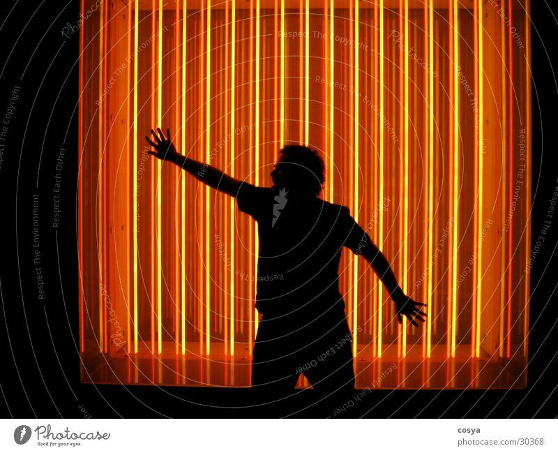 scherenschnitt neonlampe Mensch Mann Neonlicht