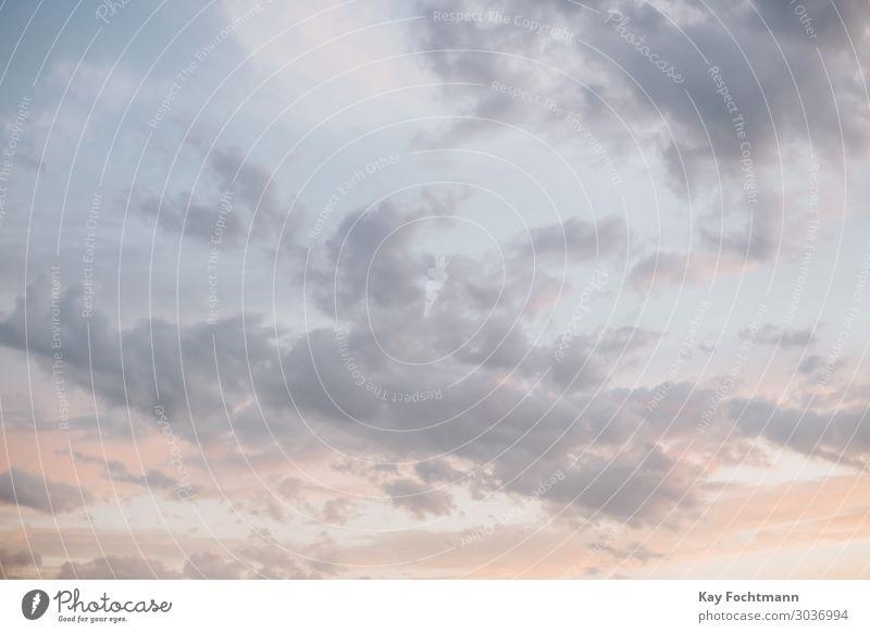 Leichte Wolken am Abendhimmel harmonisch Wohlgefühl Sinnesorgane Erholung ruhig Meditation Ferien & Urlaub & Reisen Tourismus Ausflug Ferne Freiheit Sommer