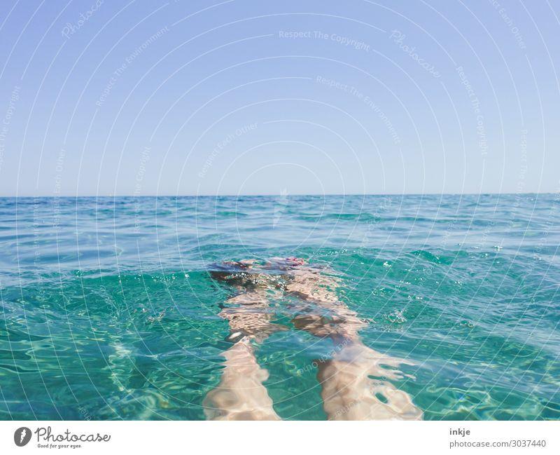 dümpeln Lifestyle Freizeit & Hobby Ferien & Urlaub & Reisen Tourismus Sommer Sommerurlaub Sonne Meer Mensch feminin Leben Beine Fuß Frauenbein Frauenfuß 1