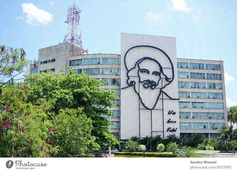 Fidel Mensch maskulin Kopf 1 Kunst Kunstwerk Skulptur Architektur Havanna Kuba Platz Gebäude Sehenswürdigkeit Wahrzeichen Denkmal Zeichen