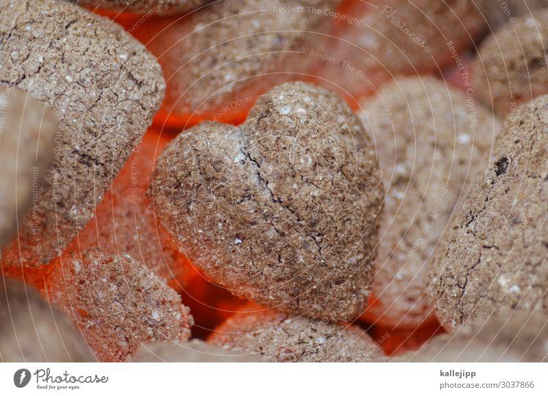 burning heart Herz Liebe Kohle Grillkohle glühen Wärme Grillen Sex heiß Verliebtheit Feuer herzförmig Holz Temperatur Grillsaison Glut Erotik orange grau