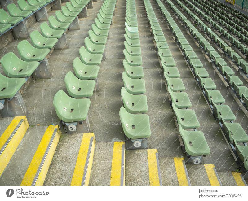 12 bis 10 grün Stil Stimmung Design Treppe modern Ordnung authentisch Ziffern & Zahlen Streifen viele Kunststoff lang Reihe Sitz Symmetrie