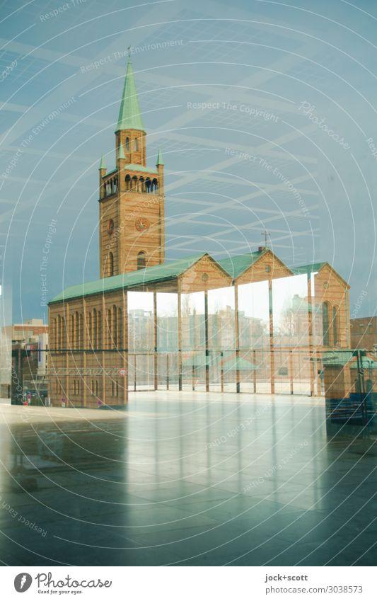 im Spiegel der Zeit Stadt Ferne Fenster Architektur Stil Stimmung modern Kirche Perspektive fantastisch historisch Vergangenheit eckig Museum Sinnesorgane