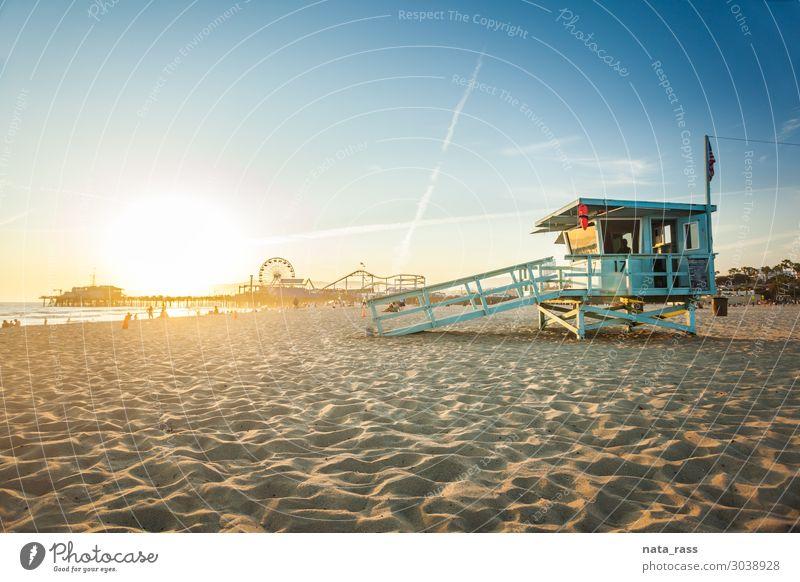 Sonnenuntergang in Santa Monica Ferien & Urlaub & Reisen Strand Meer Natur Landschaft Sand Himmel Schönes Wetter Park Küste Hütte Gebäude Sehenswürdigkeit