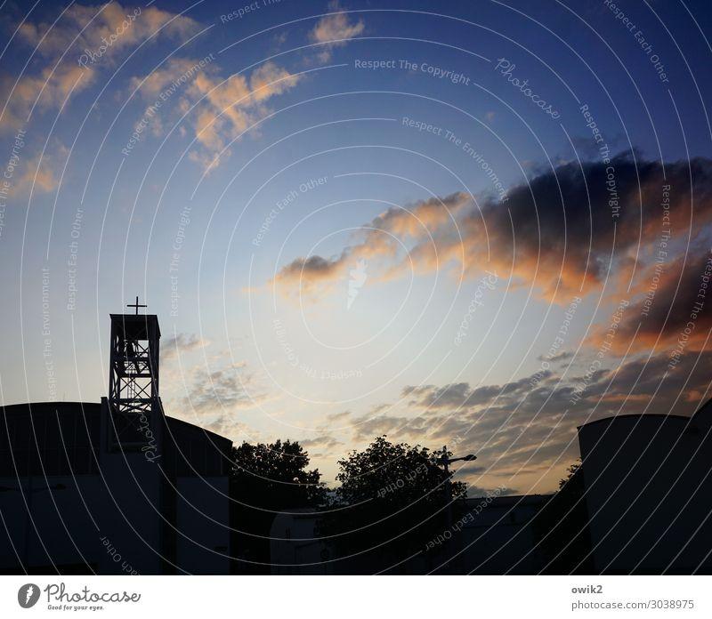 Hinter dem Horizont gehts weiter Himmel Baum Wolken dunkel Religion & Glaube leuchten modern Kirche groß hoch Skyline Hauptstadt Abenddämmerung