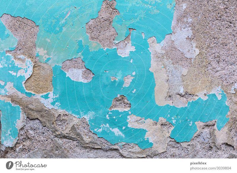 Hauswand Stadt Altstadt Menschenleer Ruine Gebäude Mauer Wand Stein Beton alt Armut dreckig hässlich kaputt trashig trist braun grau türkis chaotisch Desaster