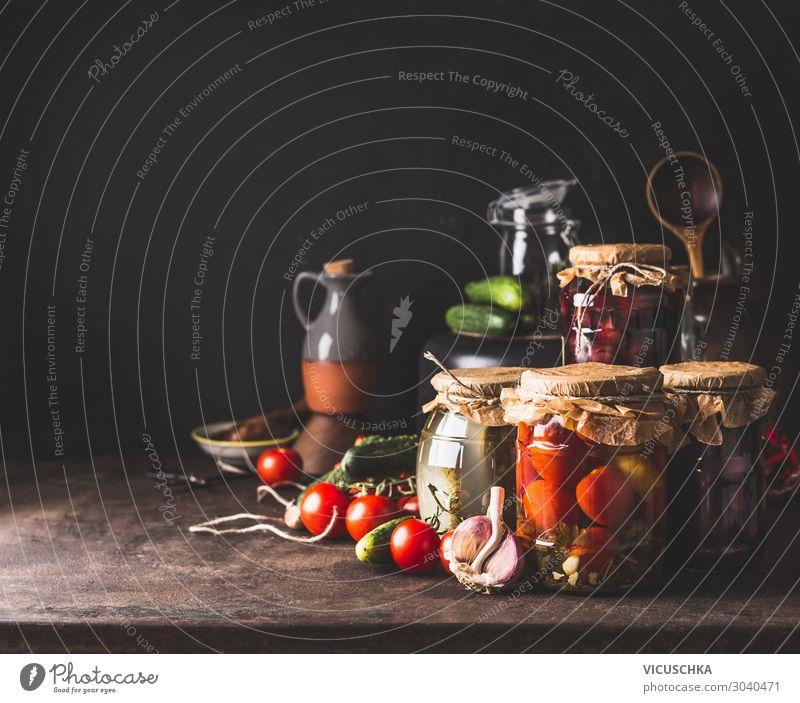 Einmachendes Gemüse in Glasgefäße Lebensmittel Frucht Ernährung Bioprodukte Vegetarische Ernährung Diät Geschirr Stil Gesundheit Gesunde Ernährung