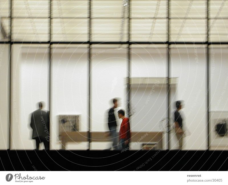 Ausstellung Mensch Fenster Menschengruppe Linie Empore