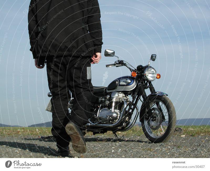 Motorrad Motorradfahrer fahren Verkehr Kawa Kawasaki W650
